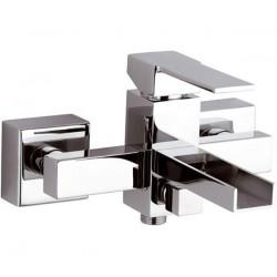Смеситель для ванной Remer RR QC05 каскадный Серия Qubika Cascata